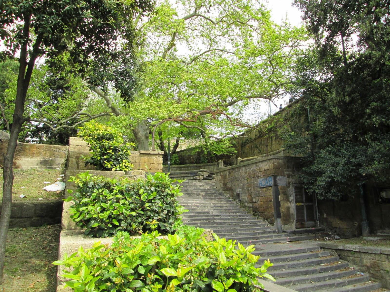 scalinate-napoli-visitare (8)